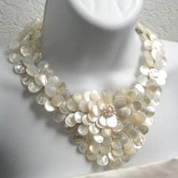 Handmade Mother of Pearl and Pearls Exquisite Focus Jewelry Set (3-8 mm) (Thailand) - Thumbnail 1