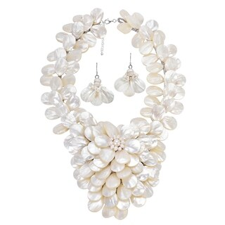 Handmade Exquisite Focus Mother of Pearl & Pearls Jewelry Set (Thailand)