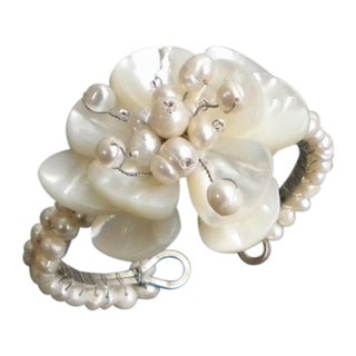 Handmade Mother of Pearl and Pearls Floral Attention Cuff (4-8 mm) (Thailand)