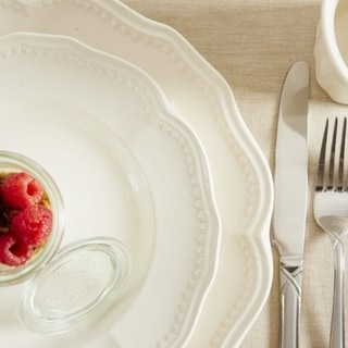 Red Vanilla Classic White Salad Plates (Set of 4)