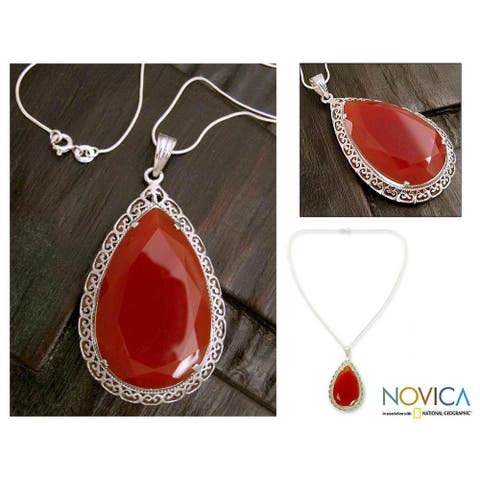 """Handmade Sterling Silver 'Bright Hope' Red Agate Necklace (India) - 7'6"""" x 9'6"""""""
