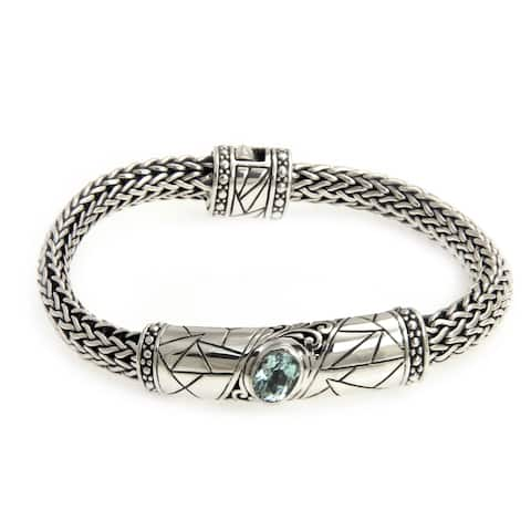 Women's Sterling Silver 'Meditate' Blue Topaz Bracelet (Indonesia)