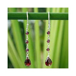 Handmade Sterling Silver 'Lady' Garnet Drop Earrings (Thailand)