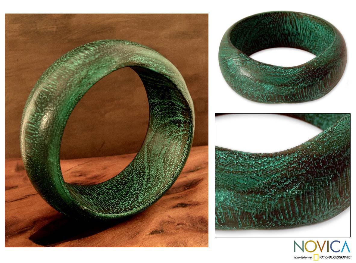 Handmade Mango Wood 'Green India' Bangle Bracelet (India)