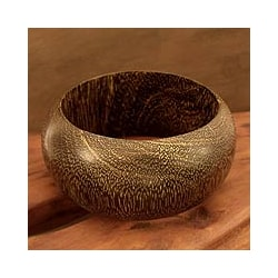 Handcrafted Mango Wood 'Gujurat Chic' Bangle Bracelet (India)