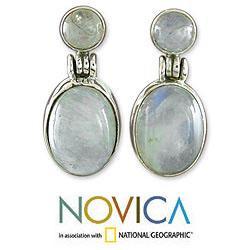 Handmade Sterling Silver Moonlight Delight Moonstone Danglnig Style Earrings (India)