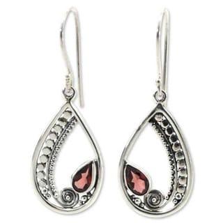Handmade Sterling Silver 'Paisley Swirl' Garnet Earrings (Indonesia)