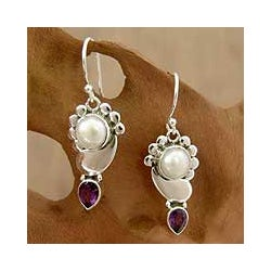 Sterling Silver 'Rajasthan' Amethyst/ Pearl Earrings (10 mm) (India)