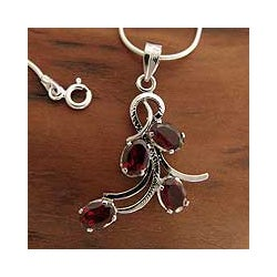 Handmade Sterling Silver 'Scarlet Petals' Garnet Necklace (India)