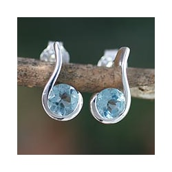 Handmade Sterling Silver 'Sky Droplet' Blue Topaz Dangle Earrings (India)