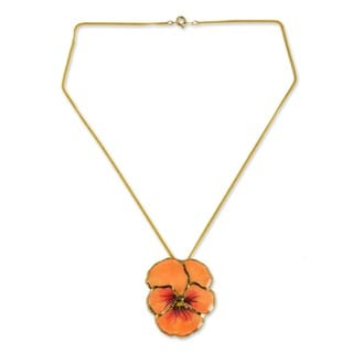 Goldplated 'Peach Pansy' Natural Flower Necklace (Thailand)