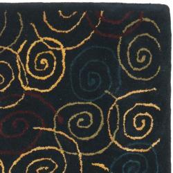 Safavieh Handmade Swirls Navy Wool Rug (2'3 x 7'6) - Thumbnail 1