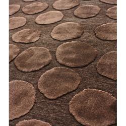 nuLOOM Hand-carved Velvet Pebbles Brown Faux Silk Rug (2'1 x 4')