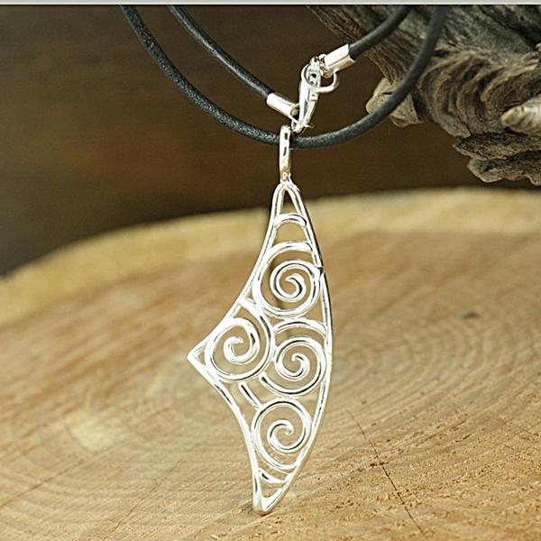 Sterling Silver Swirl Shield Necklace (Mexico)