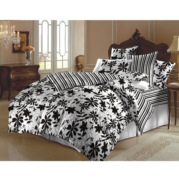 Black and White Flowered Queen-size Duvet Cover Set (India)