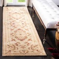 """Safavieh Handmade Aubusson Creteil Beige/ Light Gold Wool Rug (2'6 x 10') - 2'6"""" x 10'"""