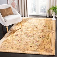 Safavieh Handmade Aubusson Creteil Beige/ Light Gold Wool Rug - 4' x 6'