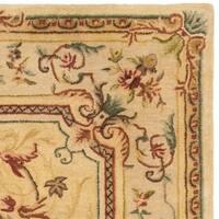 Safavieh Handmade Light Gold/ Beige Hand-spun Wool Rug - 9' x 12'