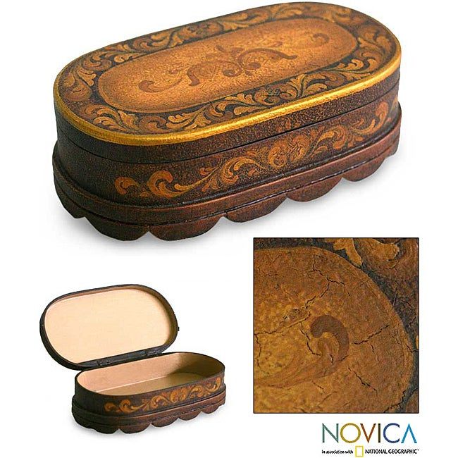 Handcrafted Cedar Wood 'Reminisce' Jewelry Box (Peru)