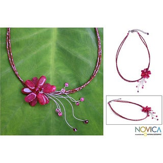 Handmade Stainless Steel 'Floral Chic' Quartzite and Garnet Choker (Thailand)