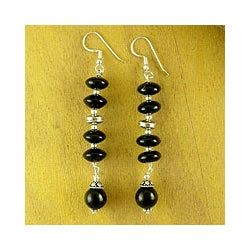 Handmade Sterling Silver 'Distinction' Onyx Drop Earrings (India)