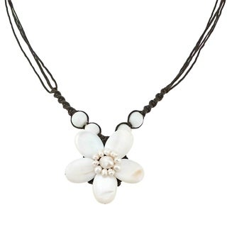 Cotton Rope White Shell and Pearl Flower Necklace (4-8 mm) (Thailand)