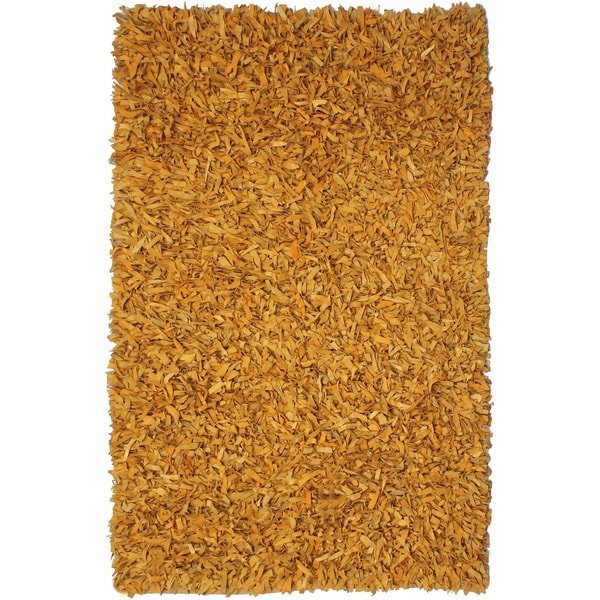 Hand-tied Pelle Gold Leather Shag Rug (5' x 8') - 5' x 8'