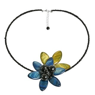 Grayish-Blue Shell Flower with Leaf Choker Necklace (Thailand)