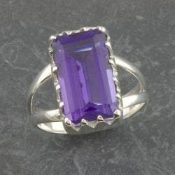 Sterling Silver Purple Quartz Solitaire Ring (Thailand)