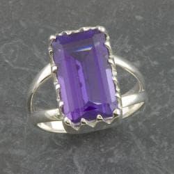 Handmade Sterling Silver Purple Quartz Solitaire Ring (Thailand)