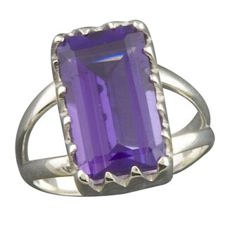 Handmade Sterling Silver Purple Quartz Solitaire Ring (Thailand)