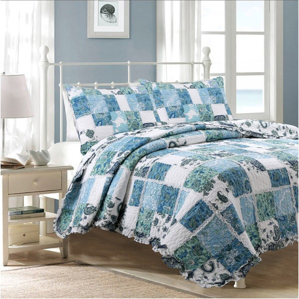 The Gray Barn Stark Coastal Patchwork Quilt Set - Blue/White