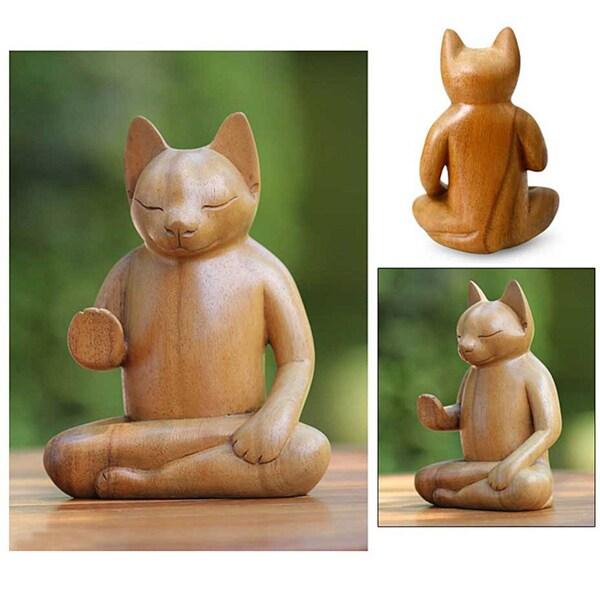 Handmade Suar Wood 'Blessing Cat' Sculpture (Indonesia)