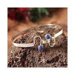 Handmade Sterling Silver 'Opposites Attract' Lapis Lazuli Bracelet (Peru)