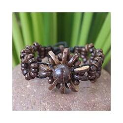 Handcrafted Coconut Shell 'Sunflower' Floral Bracelet (Thailand)