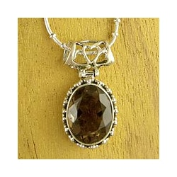 Handmade Sterling Silver Elegant Mystique Smoky Quartz Snack Chain Style Necklace (India)