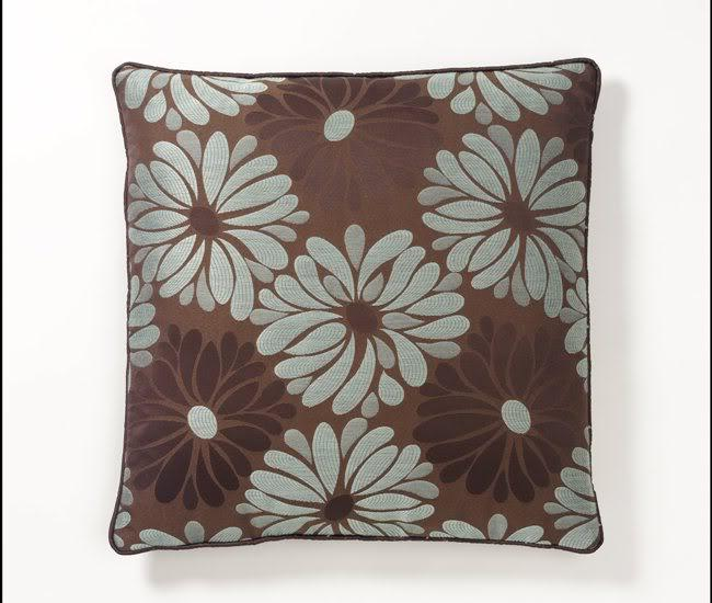 Corona Decor European-woven Jacquard Daisies Feather and Down Filled Pillow