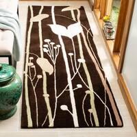 "Safavieh Handmade New Zealand Wool Gardens Dark Brown Rug - 2'6"" x 8'"