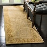 "Safavieh Handmade Silk Road Beige/ Light Gold New Zealand Wool Rug - 2'6"" x 10'"