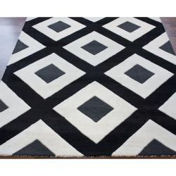 nuLOOM Handmade Black Diamond New Zealand Wool Rug (7'6 x 9'6) - Thumbnail 1