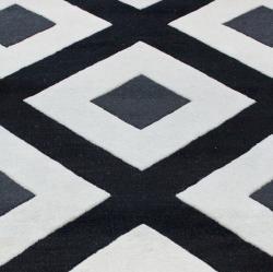 nuLOOM Handmade Black Diamond New Zealand Wool Rug (7'6 x 9'6) - Thumbnail 2