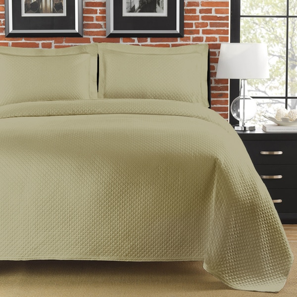 Diamante Matelasse Sage King-size Coverlet