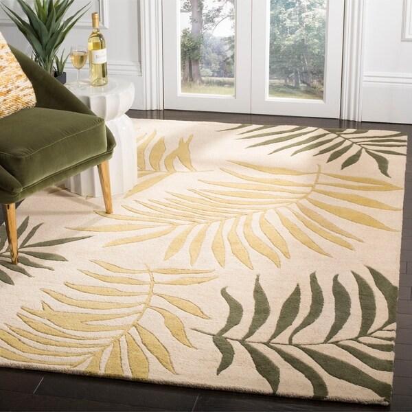 "Safavieh Handmade Ferns Beige New Zealand Wool Rug - 7'6"" x 9'6"""