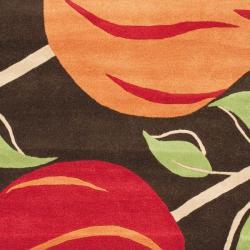 Safavieh Handmade Tulips Brown New Zealand Wool Rug (5'x 8') - Thumbnail 2