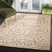 "Safavieh Handmade Soho Roses Beige New Zealand Wool Rug - 7'-6"" x 9'-6"""