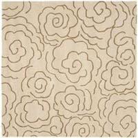 Safavieh Handmade Soho Roses Beige New Zealand Wool Rug - 6' x 6' Square