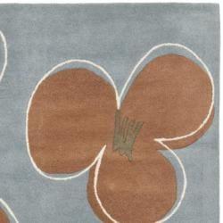 Safavieh Handmade Soho Daisies Blue New Zealand Wool Rug (7'6 x 9'6) - Thumbnail 1