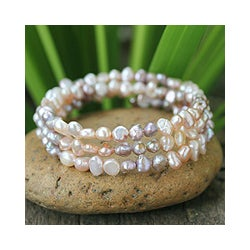 Handcrafted 'Rose Solstice' Pearl Wrap Bracelet (4-4.5 mm) (Thailand)