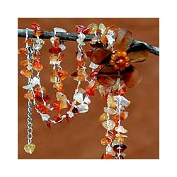 Handmade 'Floral Rain' Agate Necklace (Thailand)