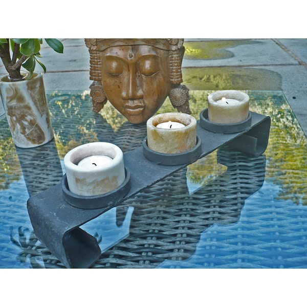 Handmade Egyptian Alabaster 3-light Candle Holder (Egypt)